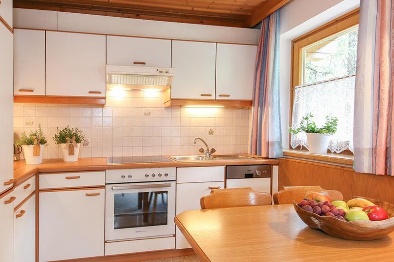 ferienwohnung 2 in saalbach hinterglemm. Black Bedroom Furniture Sets. Home Design Ideas